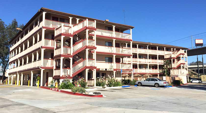 Exterior building - Welcome to Heritage Inn La Mesa CA lodging