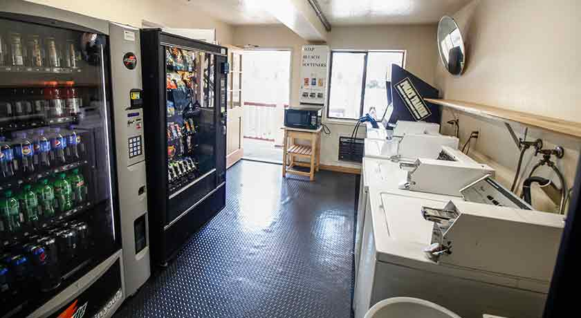 Laundry and snack machine - Welcome to Heritage Inn La Mesa CA lodging
