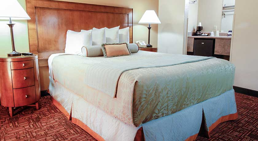 One Queen Bed - Welcome to Heritage Inn La Mesa CA lodging
