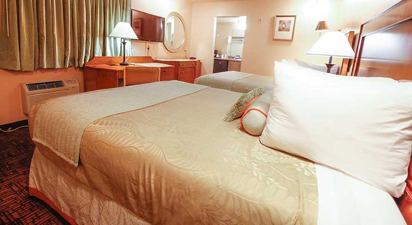 Spacious two queen bedroom - Welcome to Heritage Inn La Mesa CA lodging
